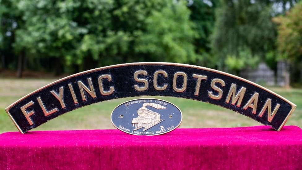 Flying Scotsman nameplate fetches a record £64,500