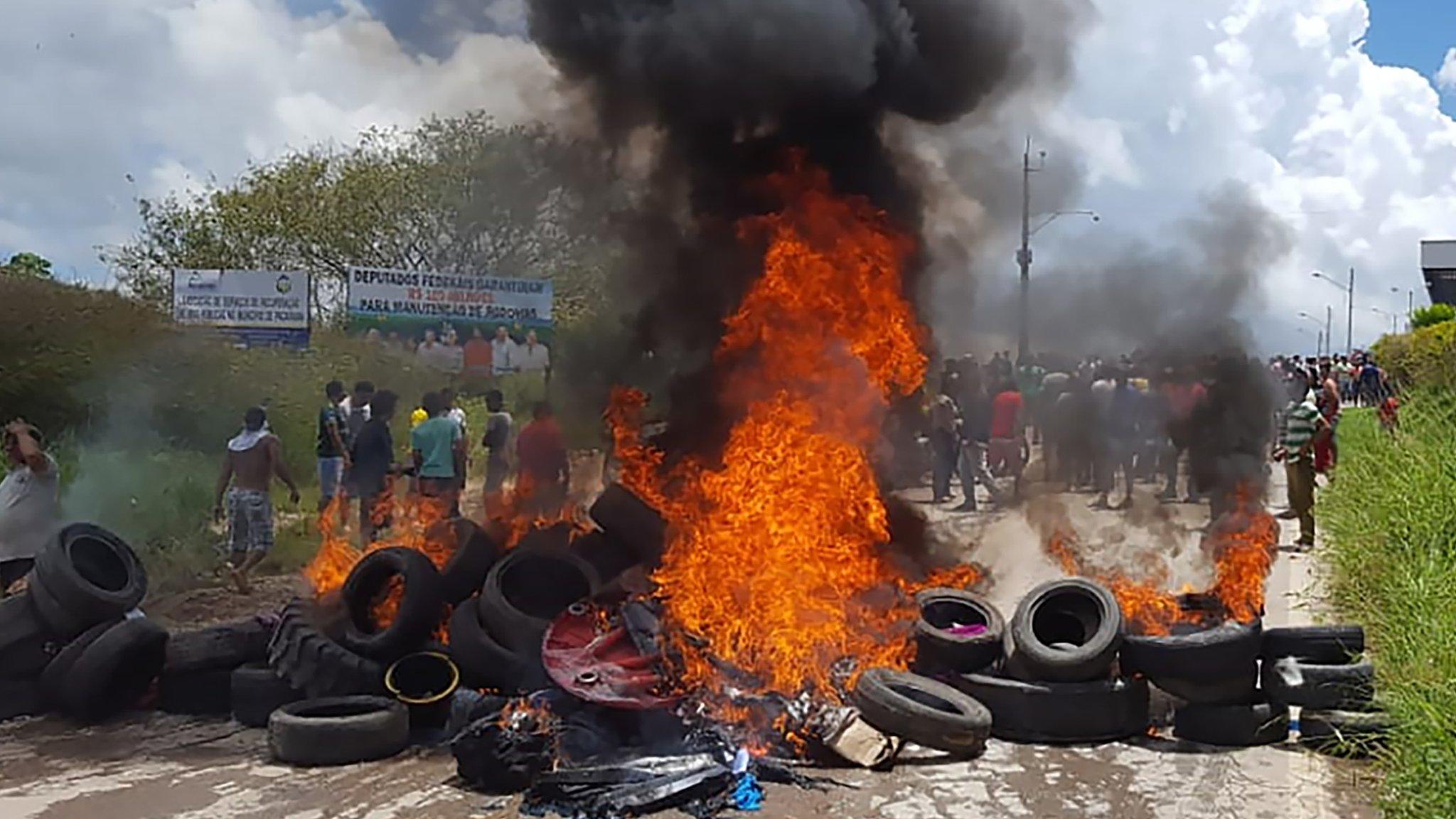 Venezuela crisis: Brazil deploys troops after migrant attacks