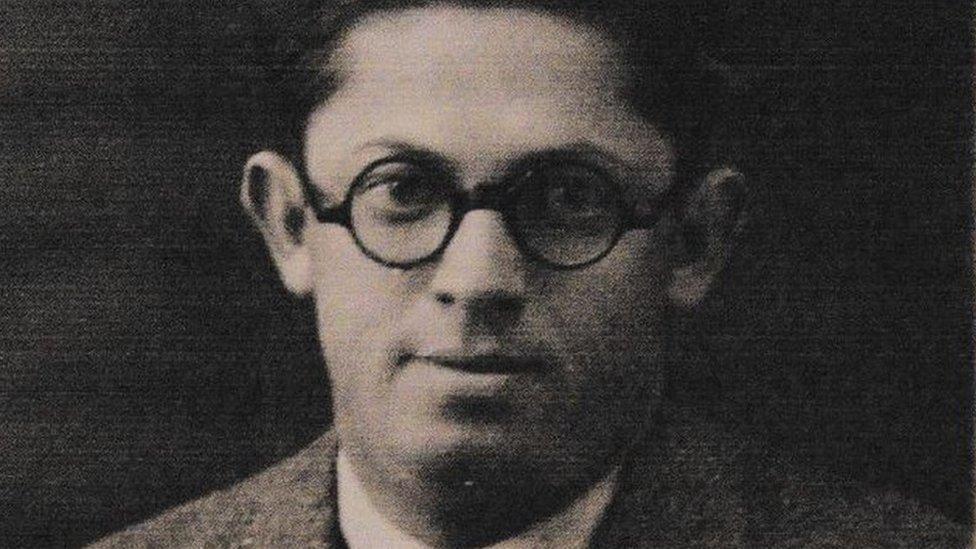 Tío abuelo de Zuroff
