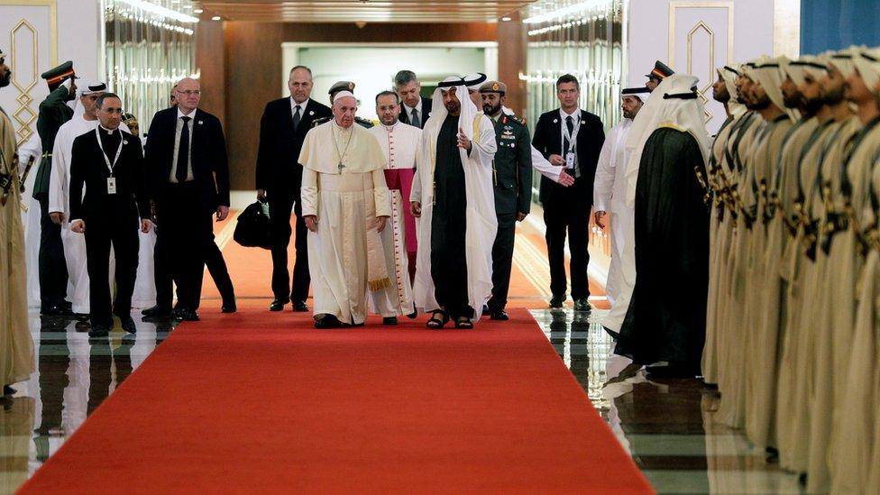 البابا و محمد بن زايد