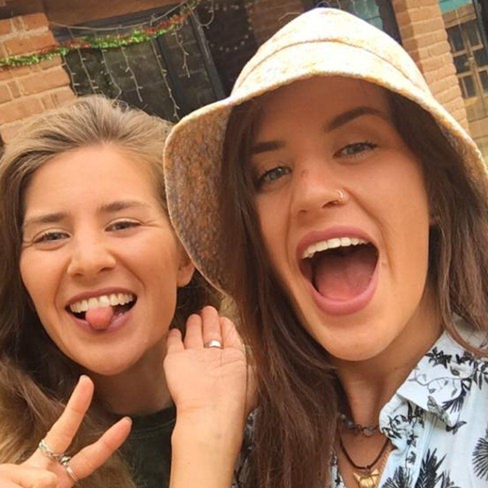 Melissa y Georgia Laurie