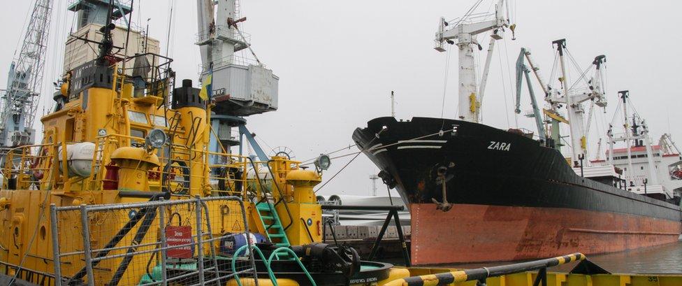 انحسرت حركة الملاحة التجارية من وإلى ميناء بيرديانسك إلى حد كبير في الأسابيع الأخيرة
