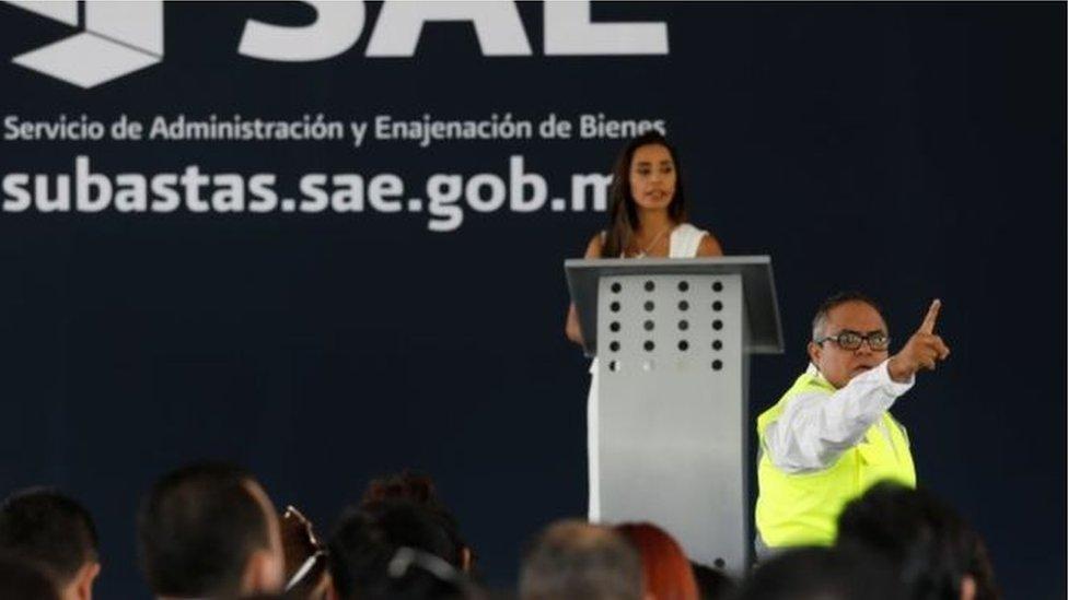مزادات في المكسيك لممتلكات أباطرة المخدرات لدعم الفقراء