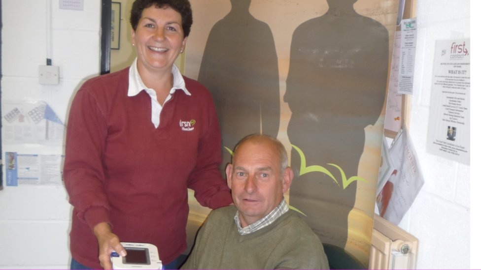 A farmer getting a health check from the Lincolnshire Rural Support Network
