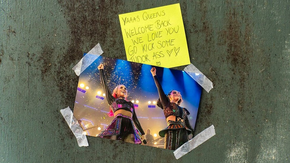 A note and picture stuck to the door of the Lyric Theatre in London ahead of Six's return