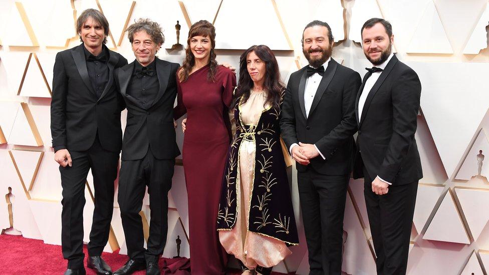 autorska ekipa filma Zemlja meda na crvnom tepihu