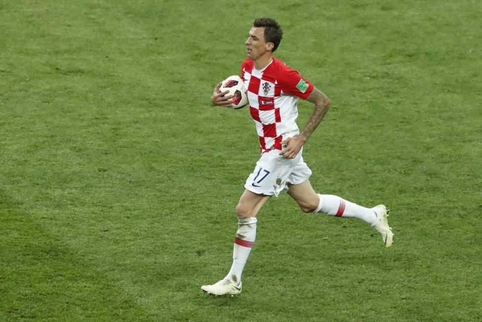 Gol Mandzukic membuat Kroasia memperkecil ketertinggalan menjadi 4-2 (Reuters)