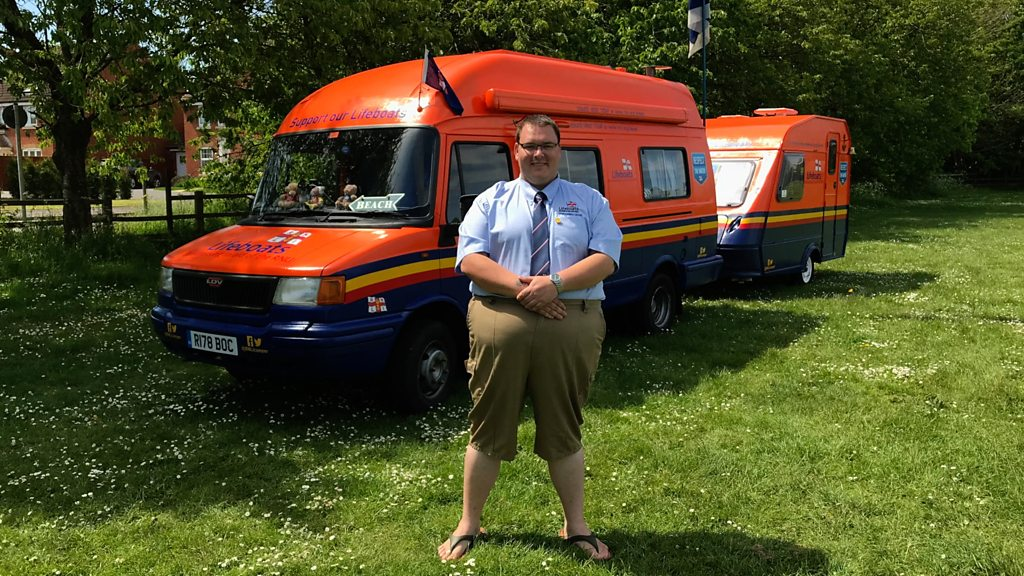 Converted camper and caravan raise money for RNLI