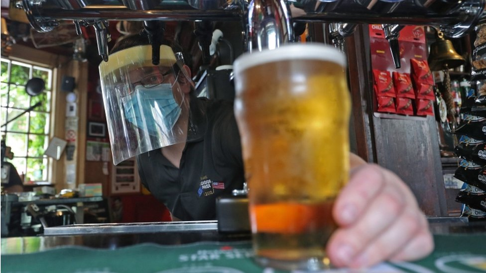 New rules in Wales for pubs and bars before Christmas thumbnail