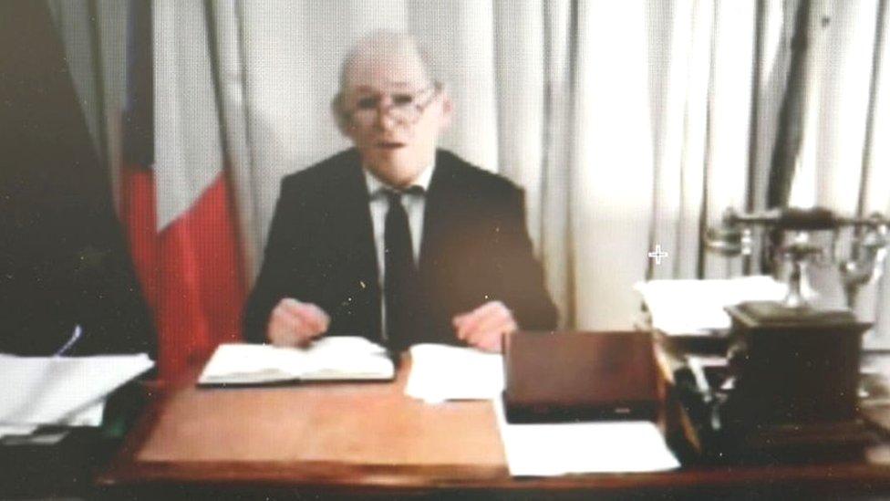 الوزير الفرنسي المزيف