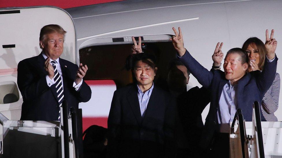 Los Trump, junto a los ciudadanos estadounidenses liberados por Pyongyang.