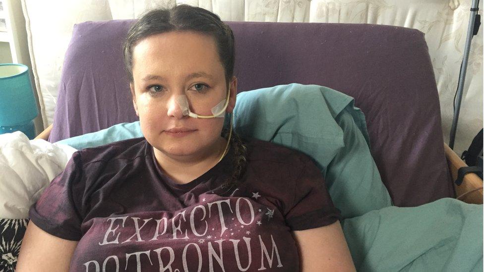 Žena koja je amputirala nogu sada kaže da joj je druga paralizovana