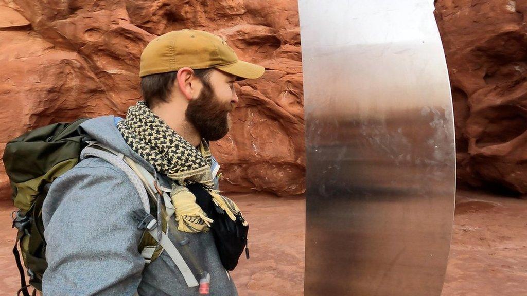 Загадочный столб в пустыне Юты исчез. Власти говорят, что они ни при чем