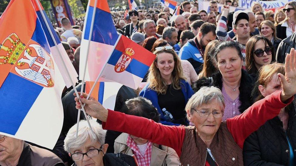 Mitin político en Serbia en 2018.