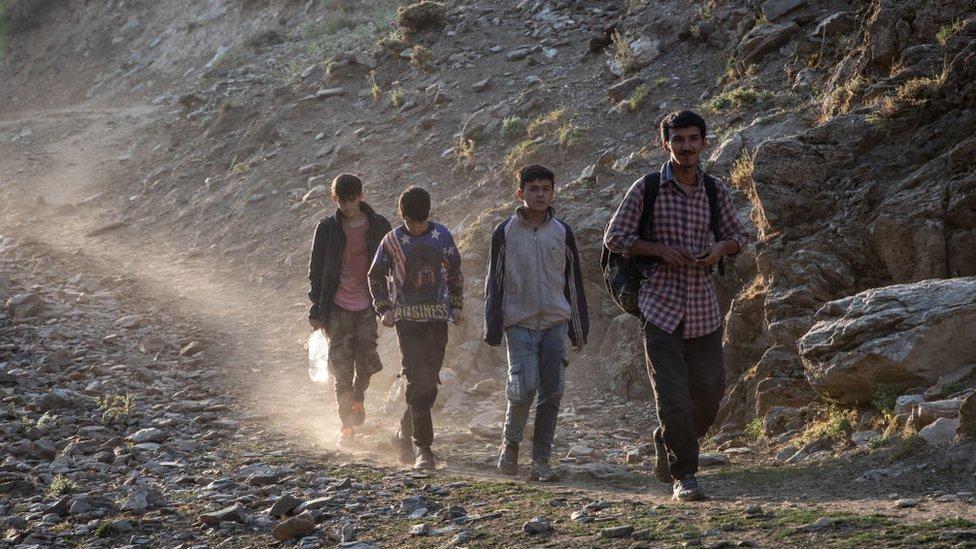 Tatvan'a ulaşmaya çalışan Afgan göçmenler