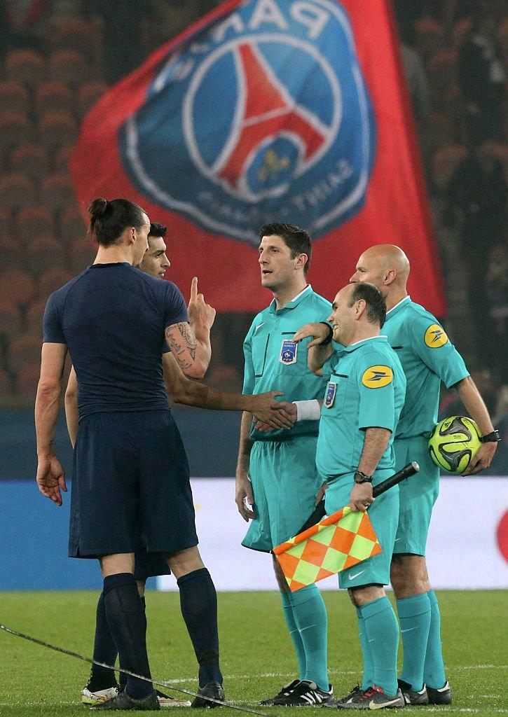 Zlatan Ibrahimovic y Tony Chapron