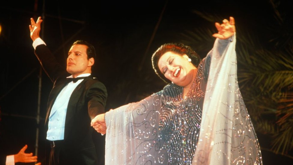 Monserrat Caballé y Freddy Mercury.