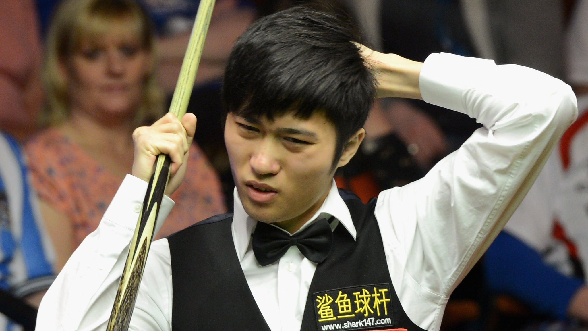 Two Chinese snooker players suspended over match-fixing allegations