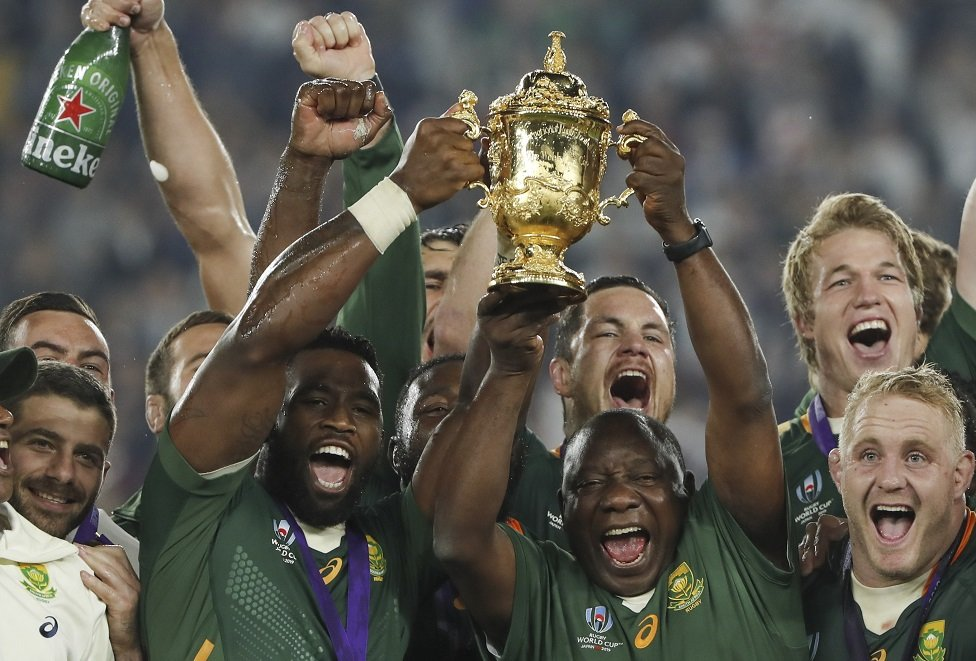 Cyril Ramaphosa with the trophy