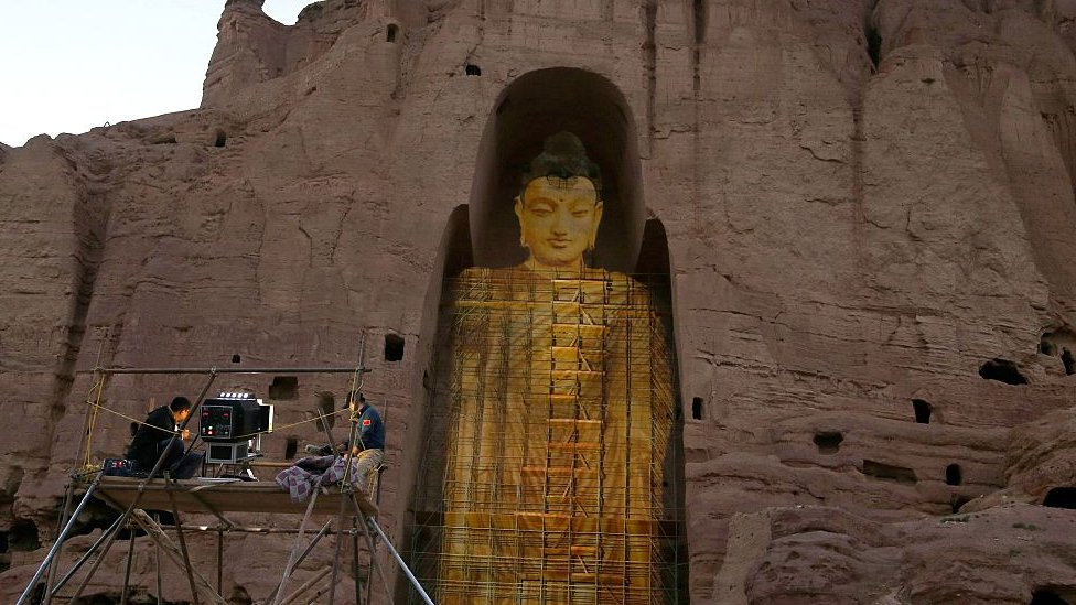 Una proyección de un Buda en Bamiyán.