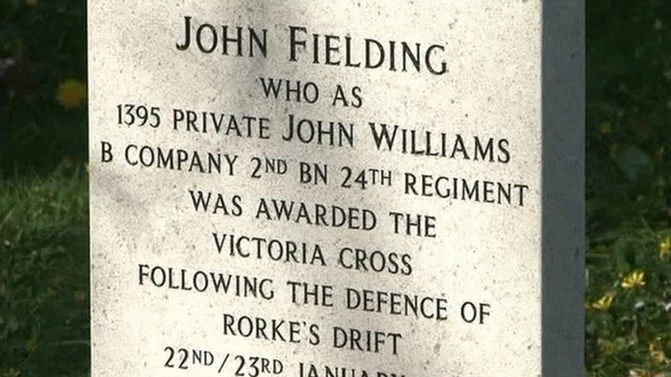 Carreg fedd John Williams