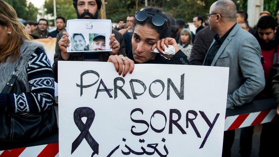 مغاربة يحضرون مراسم تشييع جثماني السائحتين