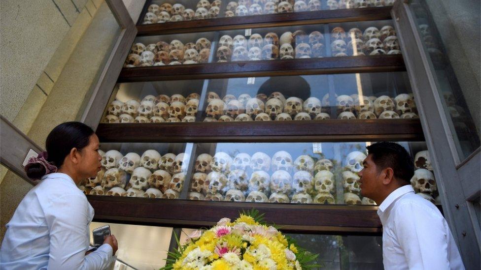 قُتل ما يصل إلى ربع سكان كمبوديا بالكامل تحت حكم الخمير الحمر