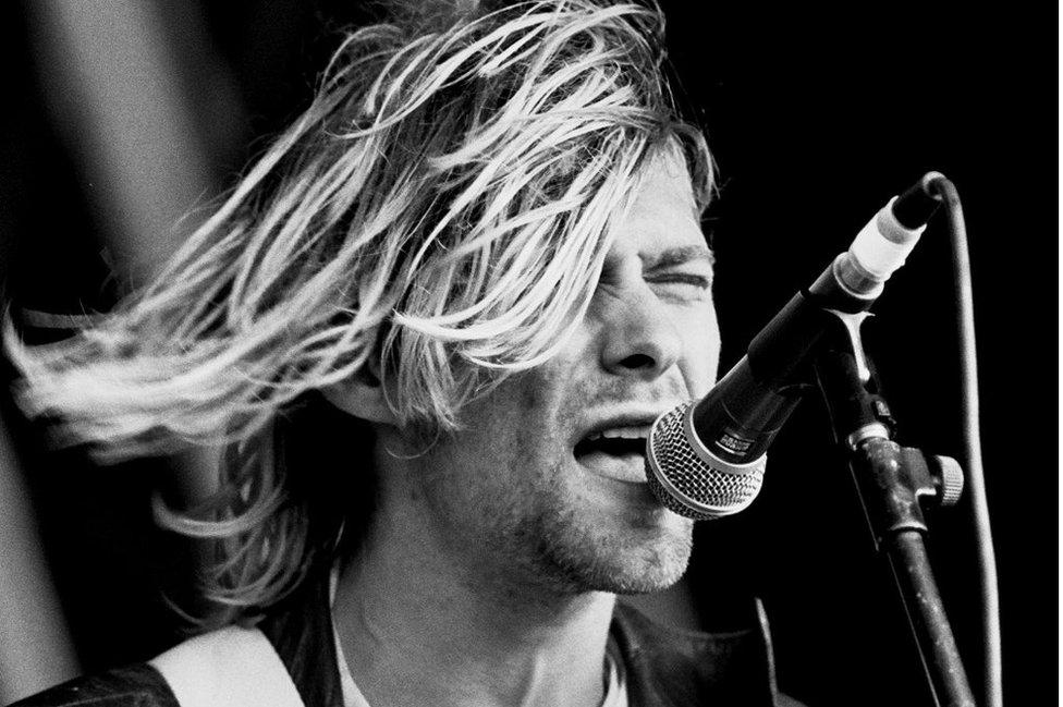 Kurt Cobain singing at Reading Festival