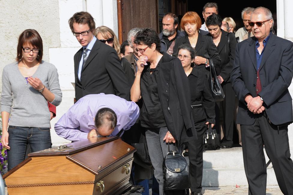 Funeral scene in Vieugy, October 2009