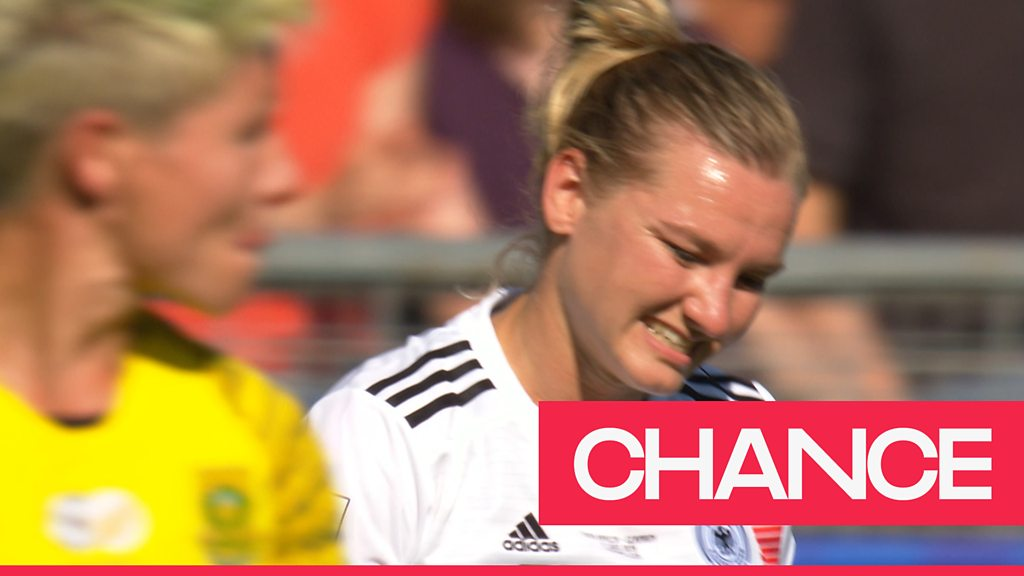 Women's World Cup 2019: 'What a miss!' - Alexandra Popp misses a golden opportunity for Germany