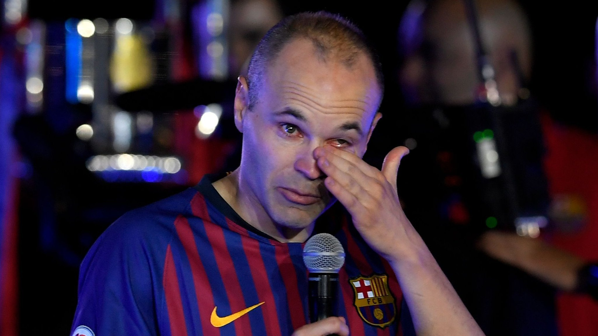 'I will keep you in my heart forever' - tearful Iniesta ends Barcelona career with win