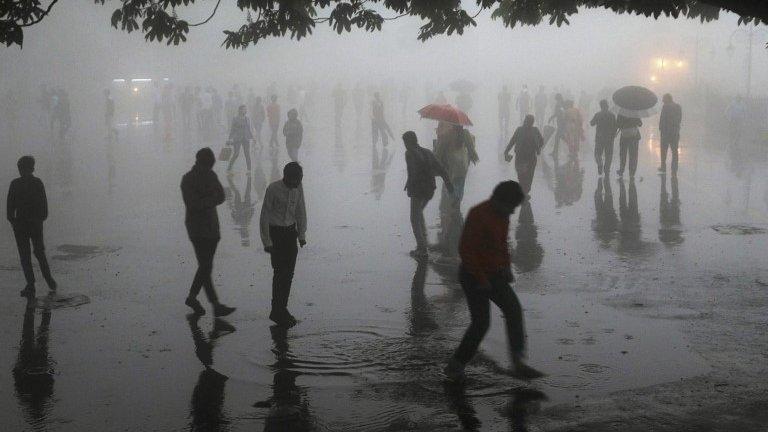 Peščane oluje u Indiji: Najmanje 100 mrtvih u Utar Pradešu, Radžastanu