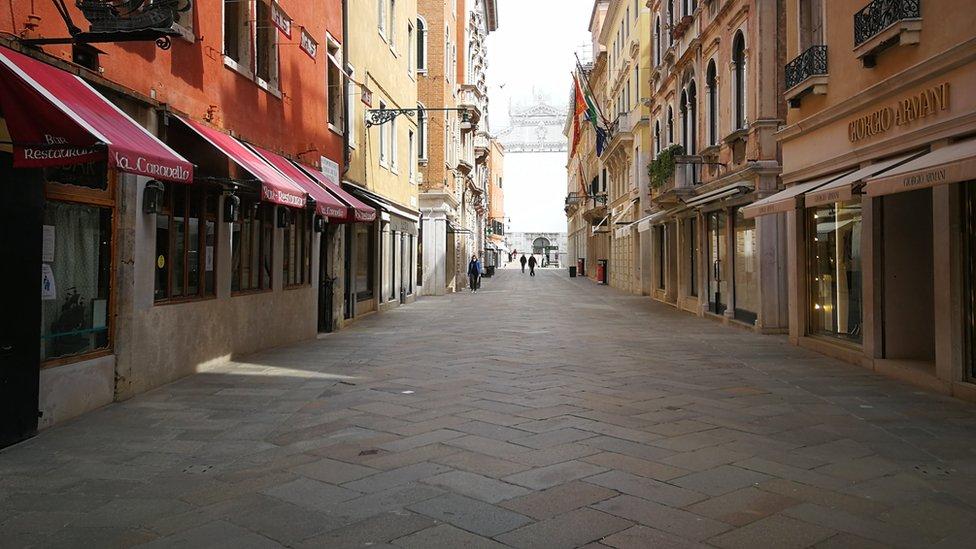 Venedik'te boş dükkanlar