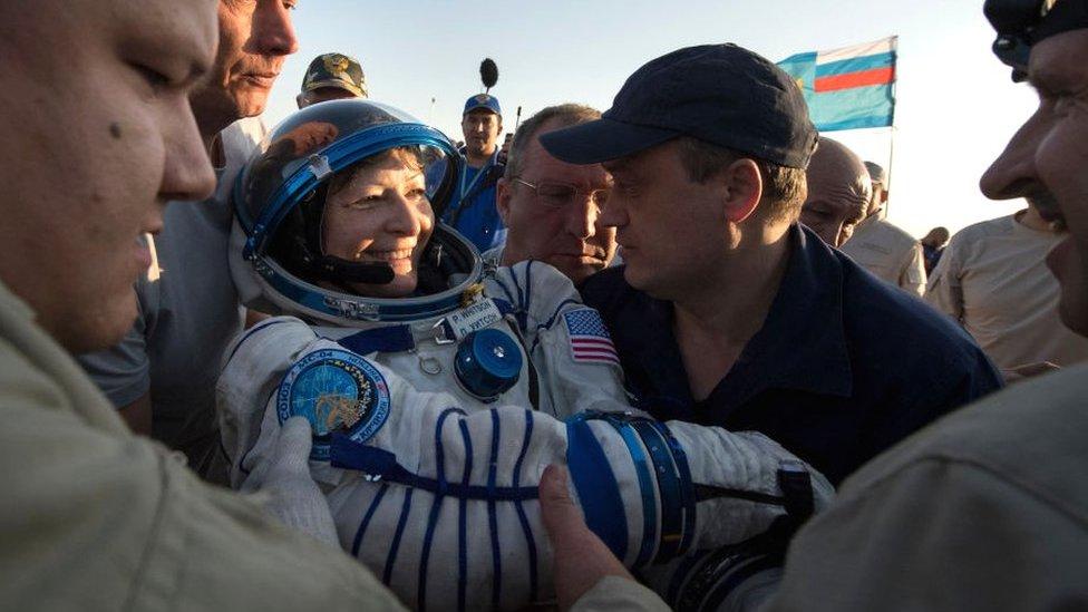 Astronautkinja Pegi Vitson nedugo nakon sletanja