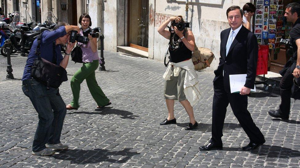 عمل ماريو دراغي محافظاً لبنك إيطاليا بين عامي 2005 و2011