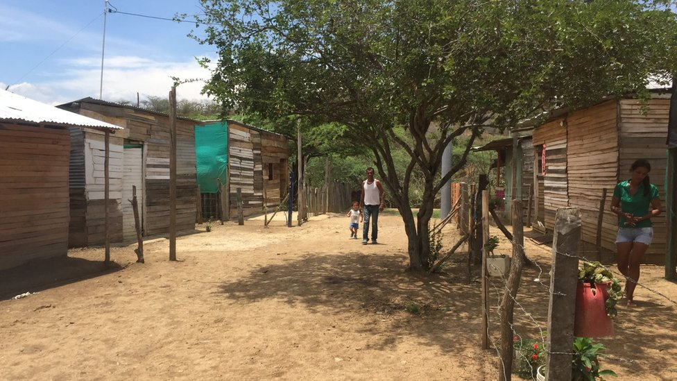 A view of shacks built on the outskirts of Cúcuta