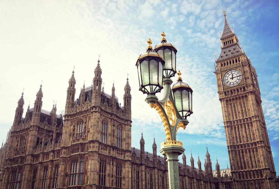 Big Ben and a lamppost