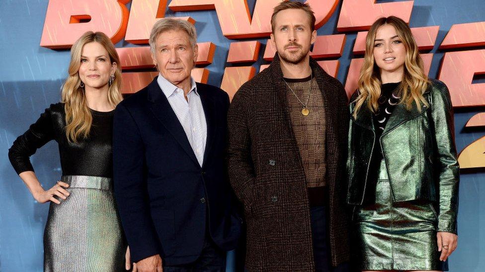 Sylvia Hoeks, Harrison Ford, Ryan Gosling y Ana de Armas