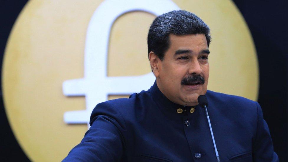 """Nicolás Maduro afirma que la crisis es producto de una """"guerra económica""""."""
