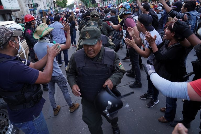Policías amotinados en Cochabamba
