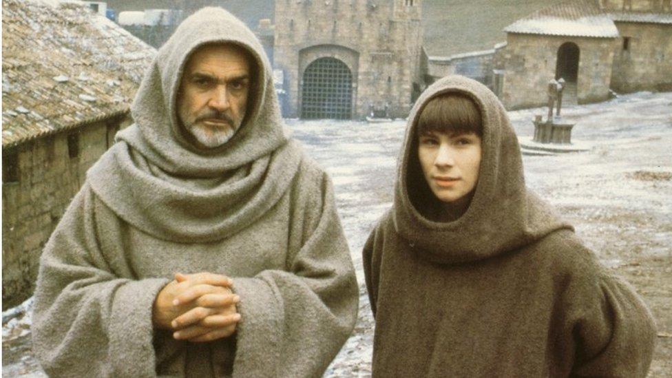 Sean Connery y Christian Slater en El nombre de la rosa