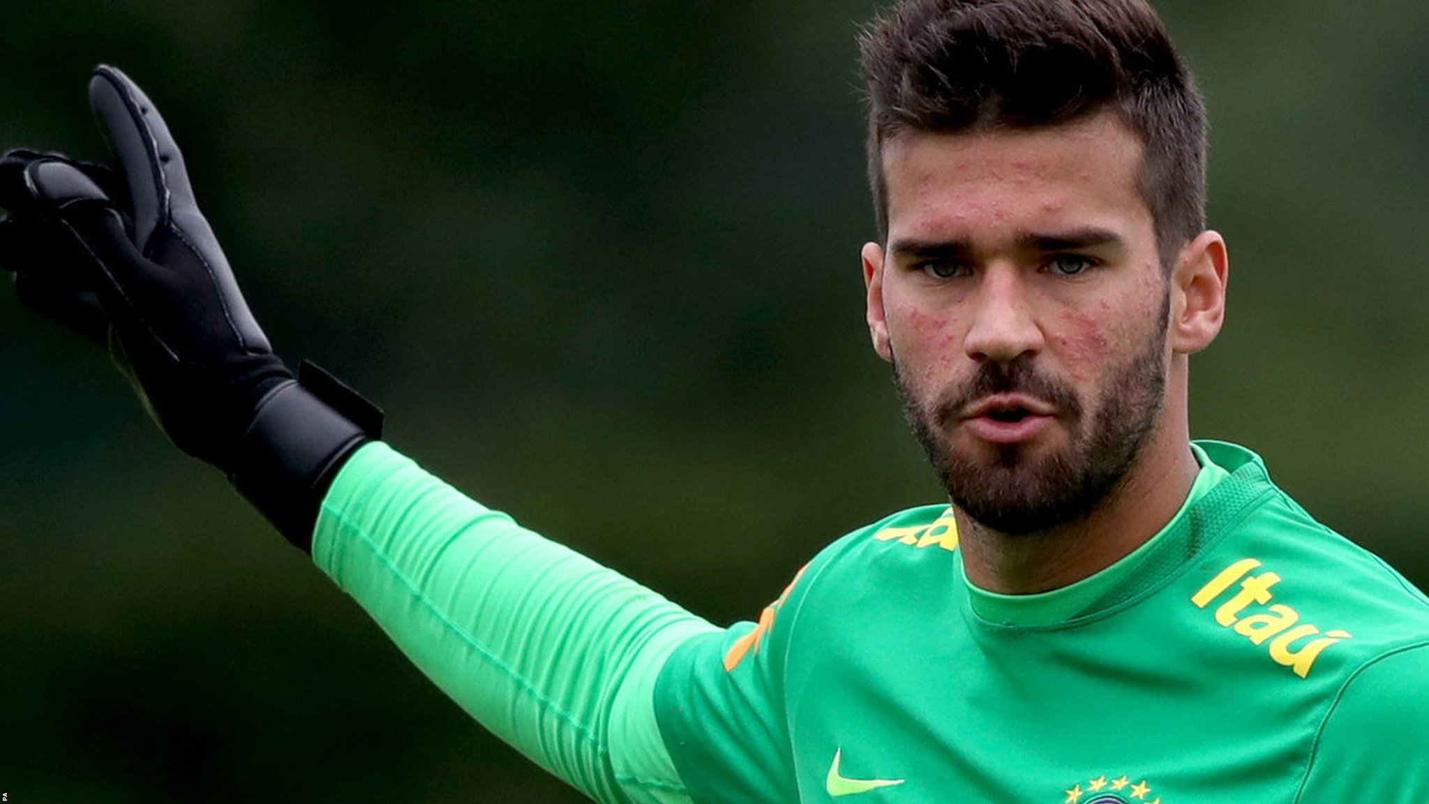 Liverpool agree world record fee for Roma keeper Alisson