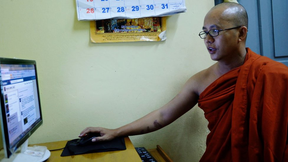 Wirathu en su monasterio en Mandalay