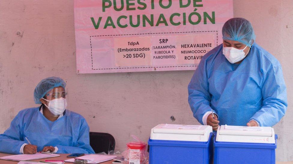 Puesto de vacunación en Ciudad de México.
