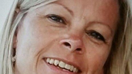 Basildon debt collector murder: Citroen Saxo driver sought