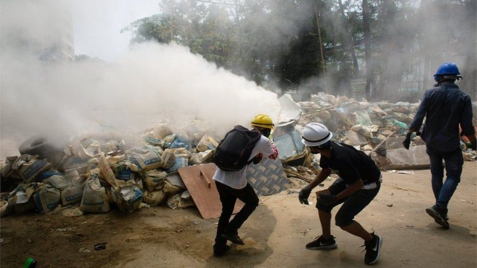 Pengunjuk rasa di Myanmar