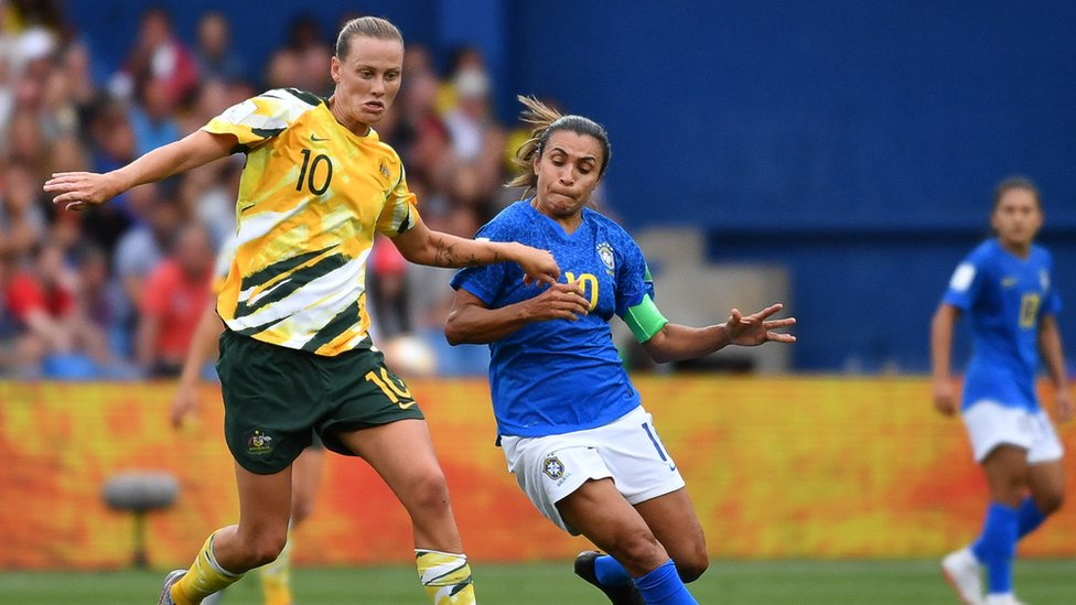 Marta contra una australiana.