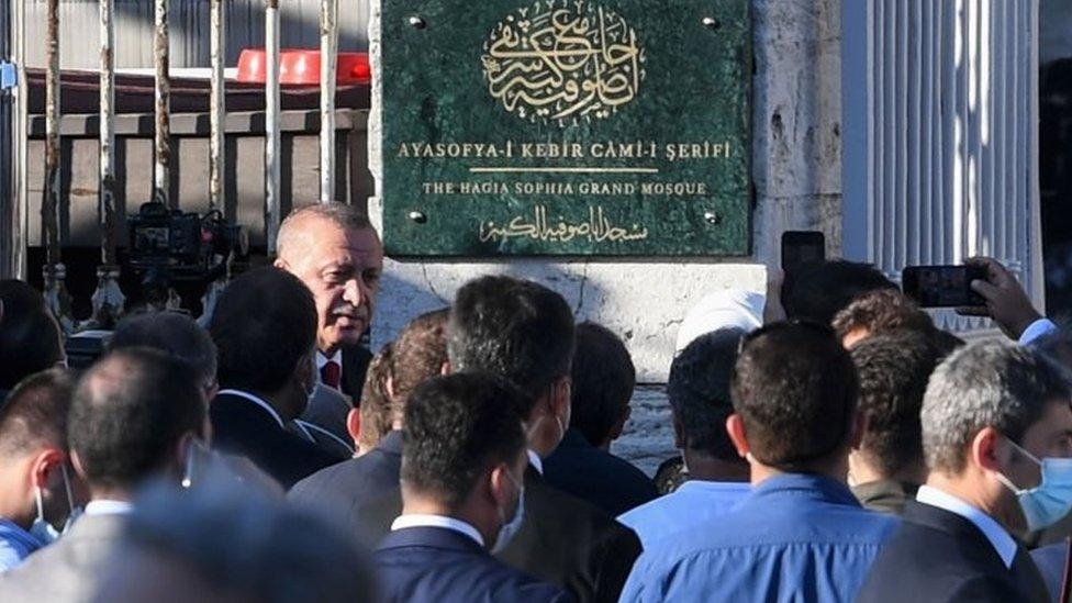 Erdogan membuka