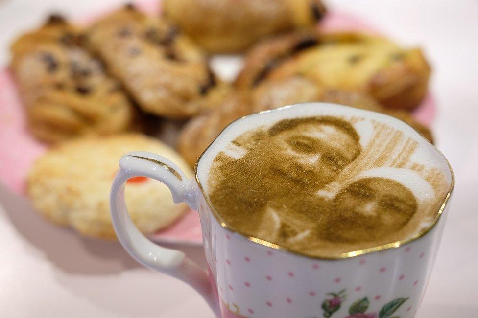 kafa sa likom gostiju