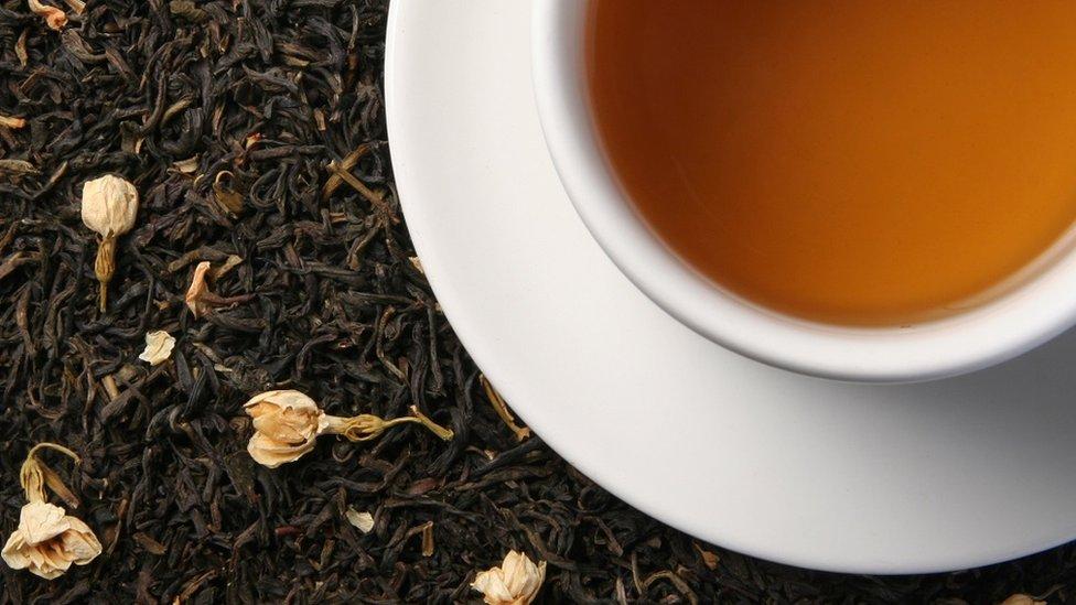 كوب من شاي الياسمين